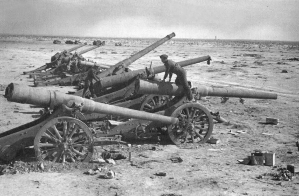 http://upload.wikimedia.org/wikipedia/commons/e/e7/Italian_battery_of_149-35_and_120-25_guns_captured_by_the_British.jpg